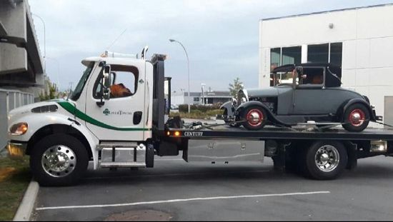 When to Call for an Emergency Tow Truck