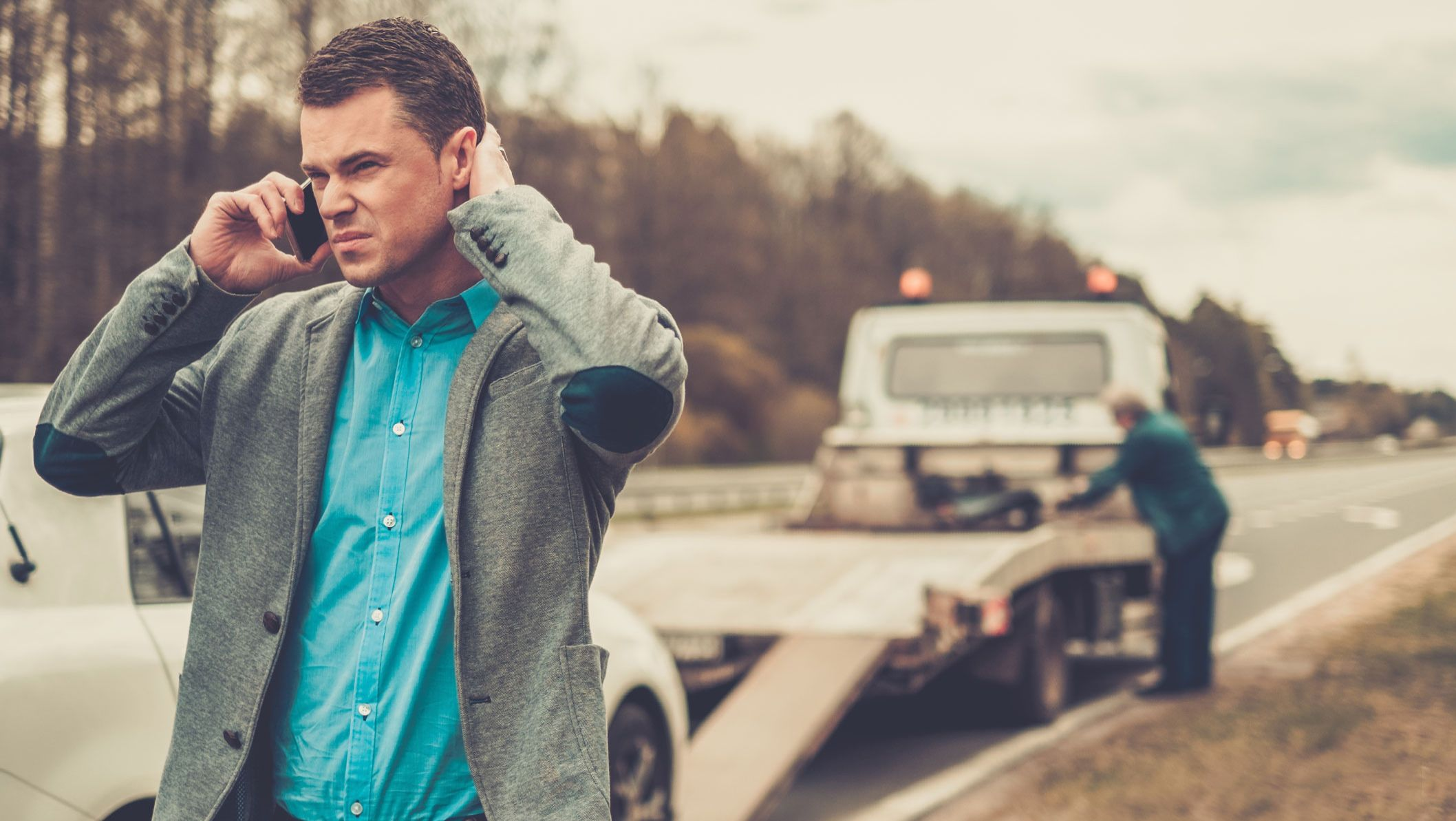 24-Hour Emergency Towing – What to Do When Your Car Breaks down on the Highway